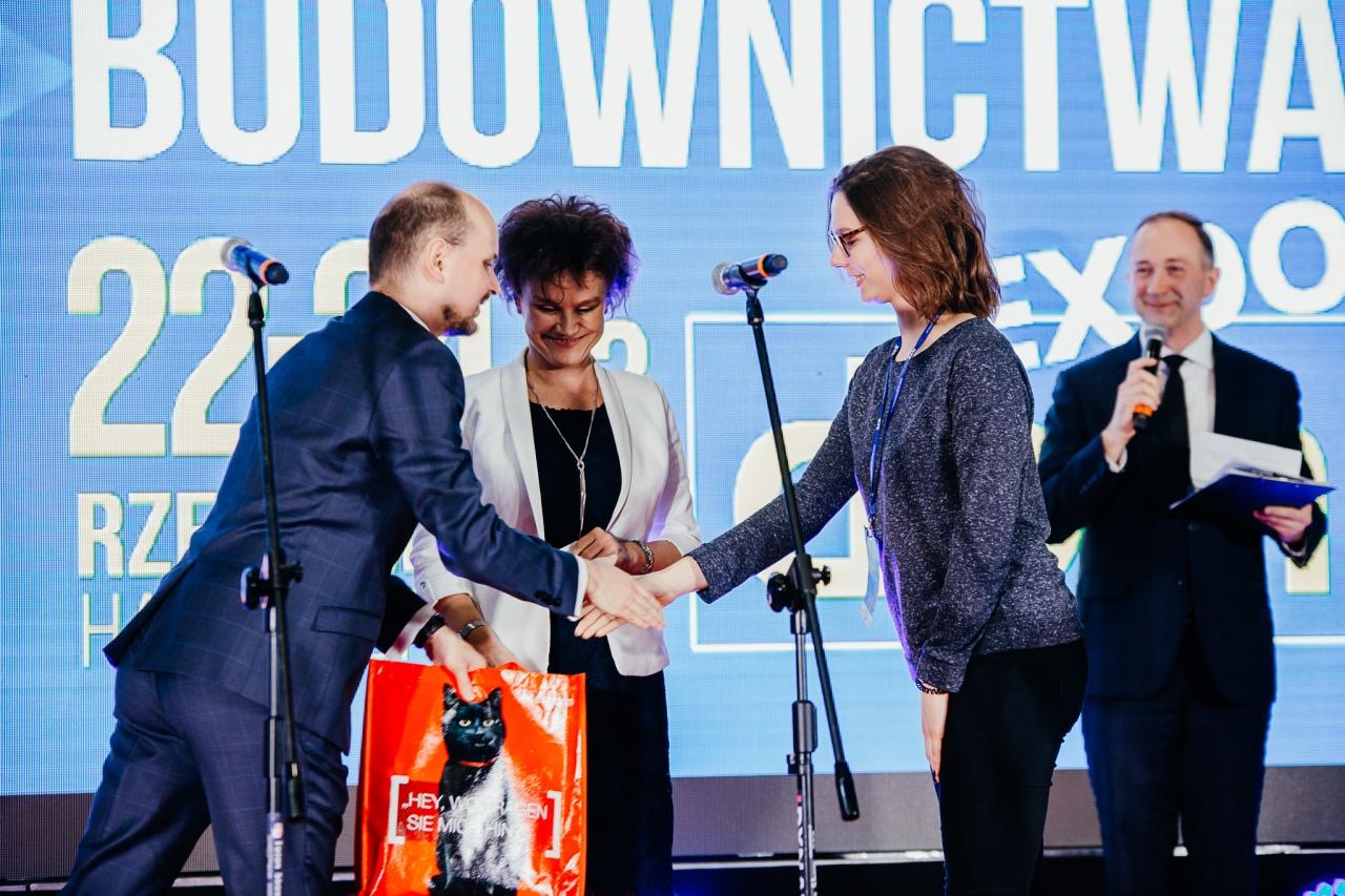 Nagrody: Magdalena Jaggiełło Kowalczyk, Maciej Jamroży